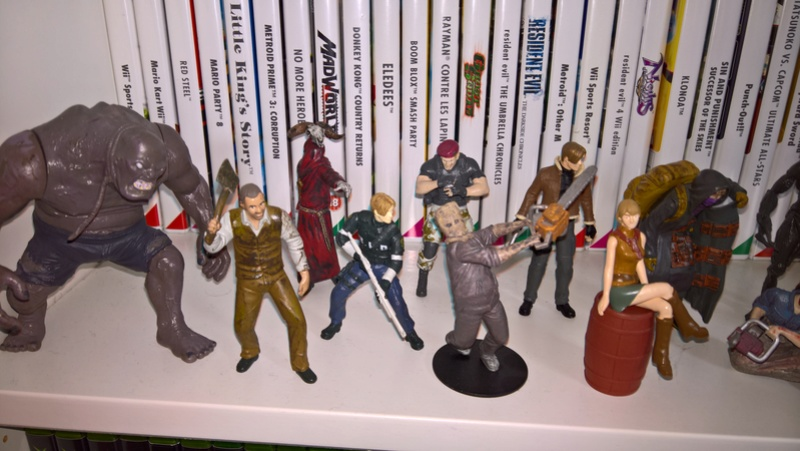 MANETTE COLLECTOR RESIDENT EVIL 4 POUR GAMECUBE +FIGURINES RE4 Wp_20115