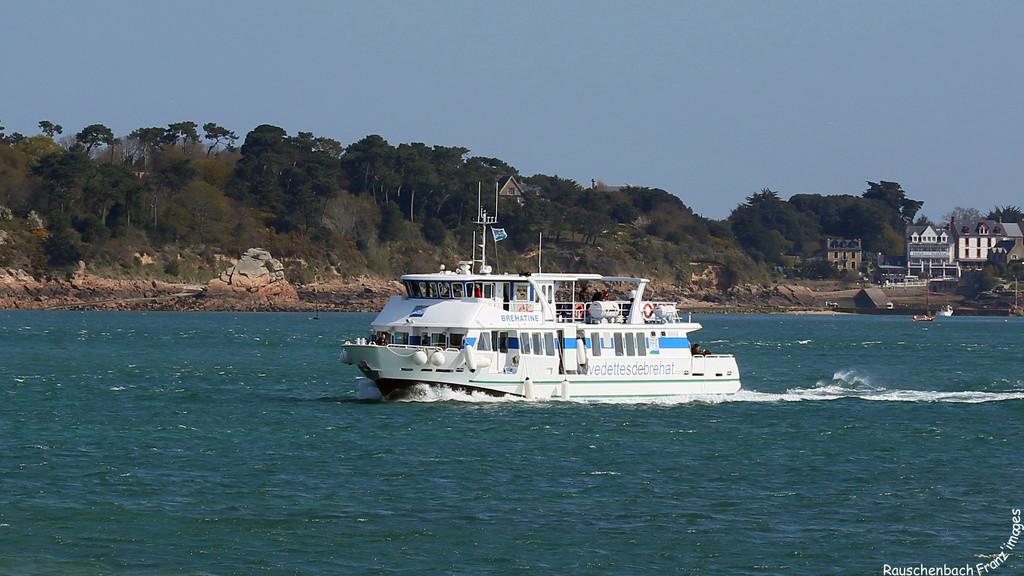 Navires de dessertes ou à passagers, bretons - Page 3 La_bre10