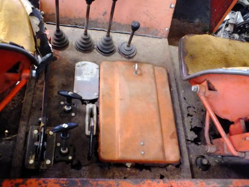 la Marque REFORM - Tracteur routier et materiel agricole  Dscf5911