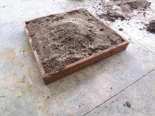 40 pounds compost = ?? cubic feet 4x4_fi10