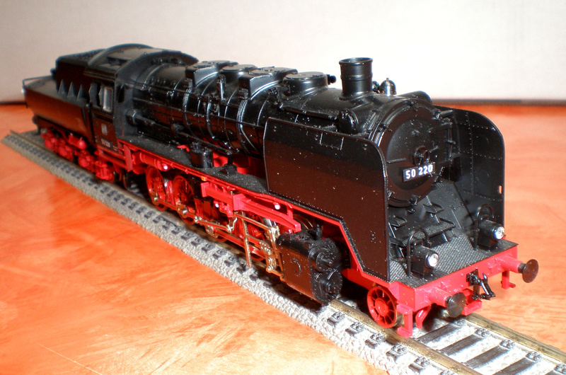 DB Lok 50 220 mit Wannentender Spur HO 50_22020