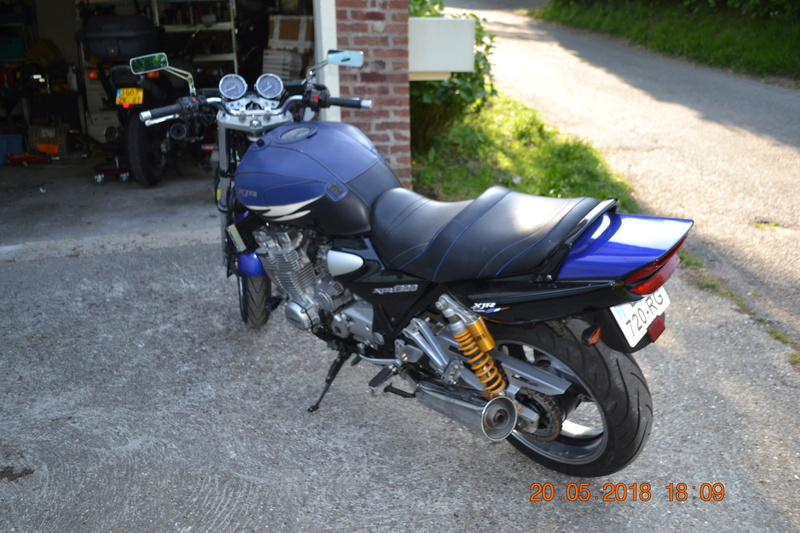 1300 xjr modele 2002 bleue Vendue Dsc_0144