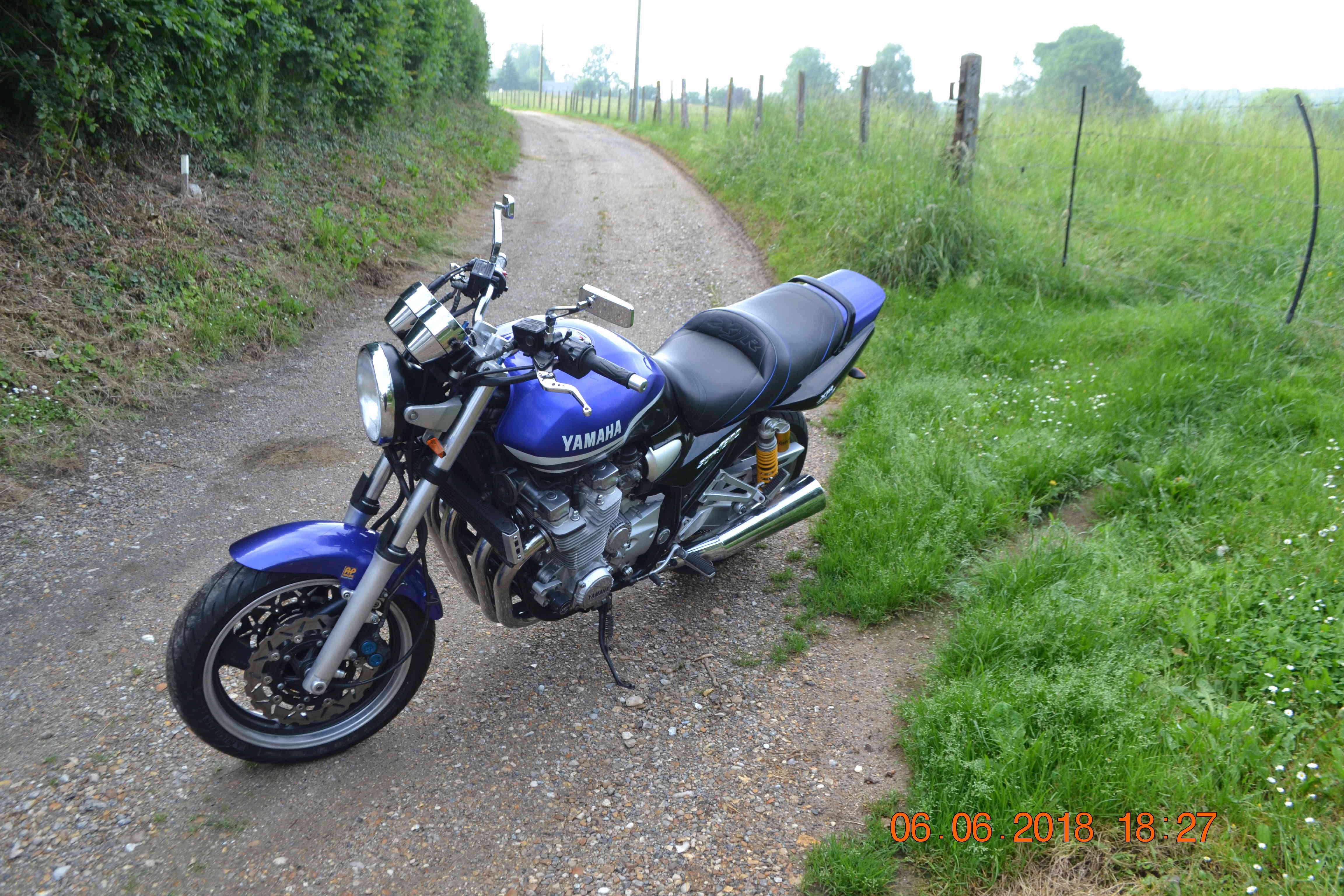 1300 xjr modele 2002 bleue Vendue Dsc_0149