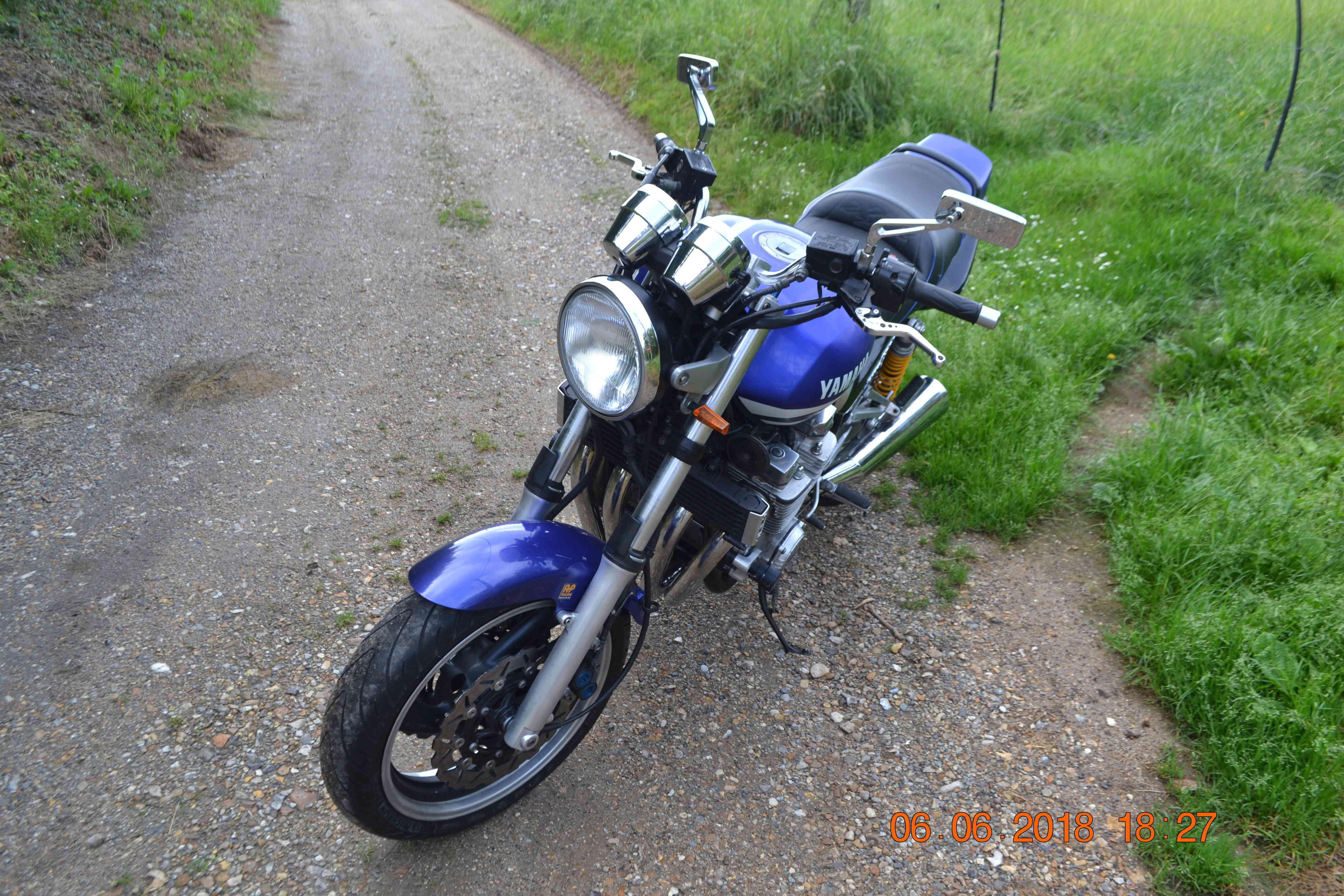 1300 xjr modele 2002 bleue Vendue Dsc_0156