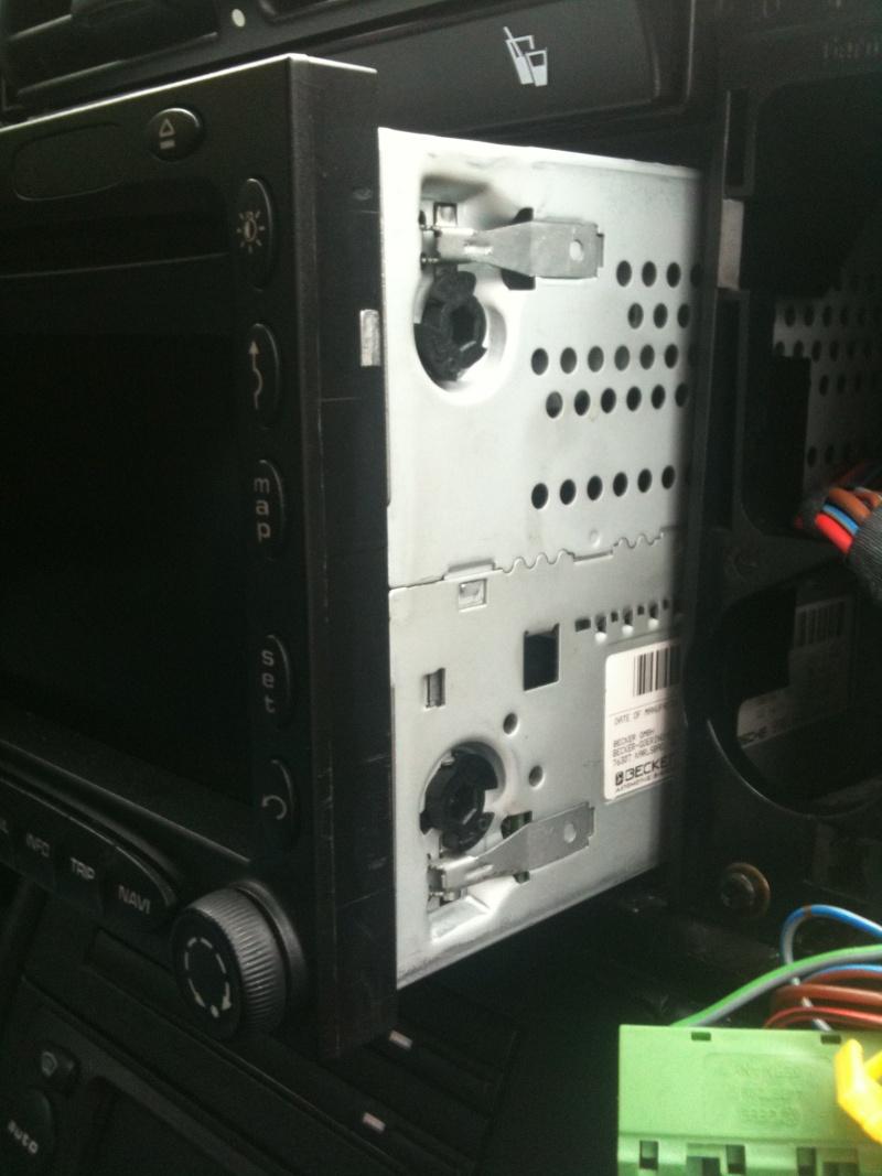Démontage du PCM 2 et réparation du tiroir carte SIM Img_0114