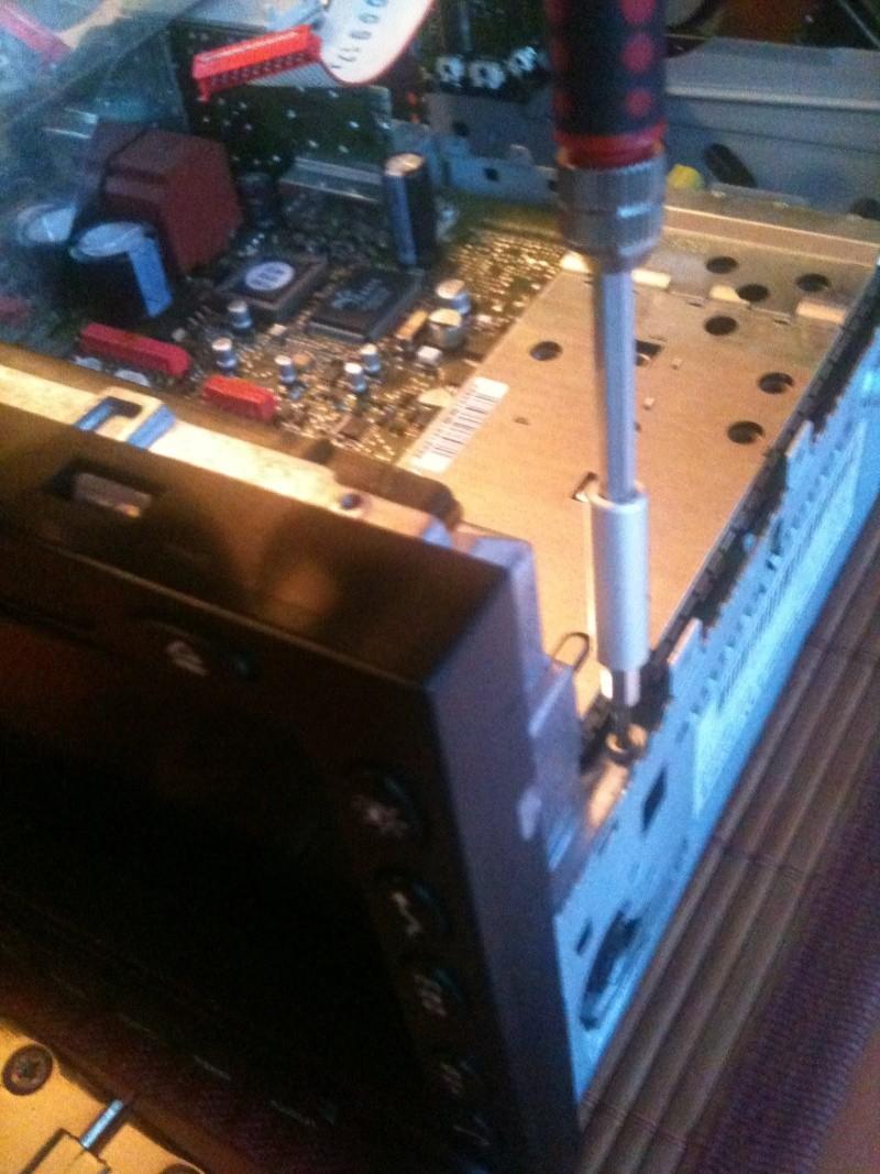 Démontage du PCM 2 et réparation du tiroir carte SIM Img_0212