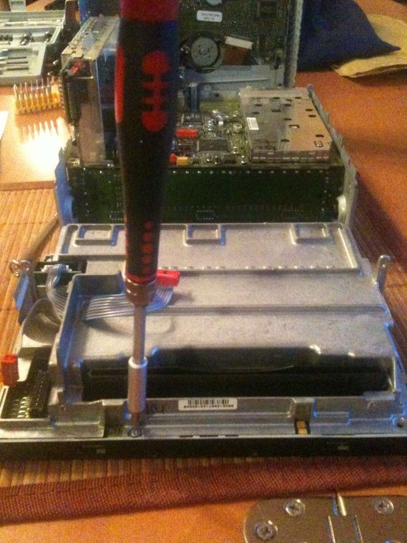 Démontage du PCM 2 et réparation du tiroir carte SIM Img_0215