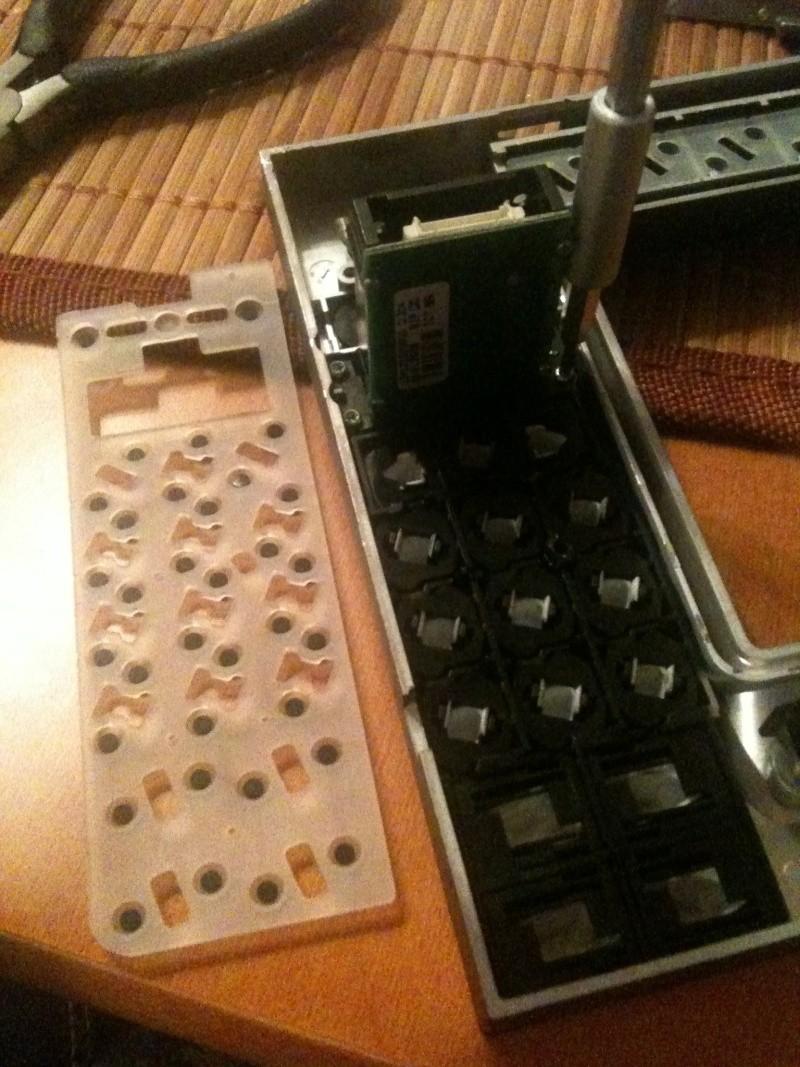 Démontage du PCM 2 et réparation du tiroir carte SIM Img_0219