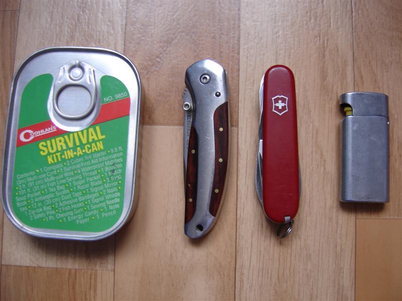Survival kit de chez Coghlan 's Dsc01711