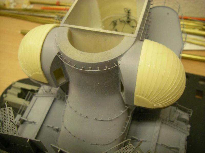 Bismarck 1:100 nur die Aufbauten  - Seite 16 Imgp1078