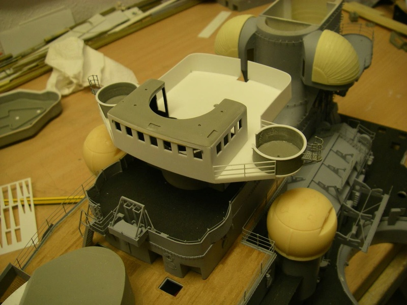 Bismarck 1:100 nur die Aufbauten  - Seite 16 Imgp1132