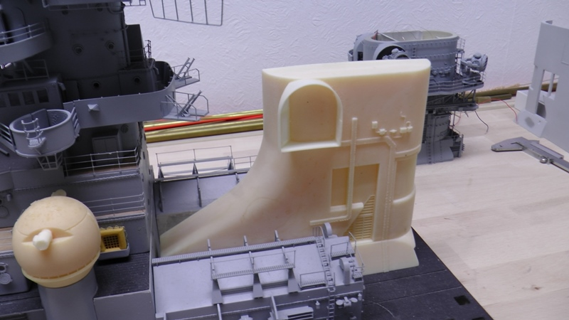 Bismarck 1:100 nur die Aufbauten  - Seite 19 S1430015