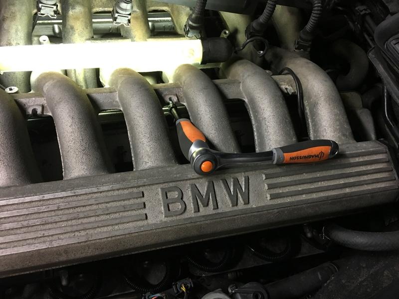[E38 M73] Remplacement joint de cache culasse Img_1018