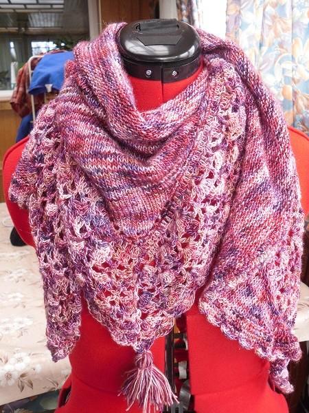 une blouse et un châle chez Endora - MAJ 13-07-18 - Page 2 Sdc15180