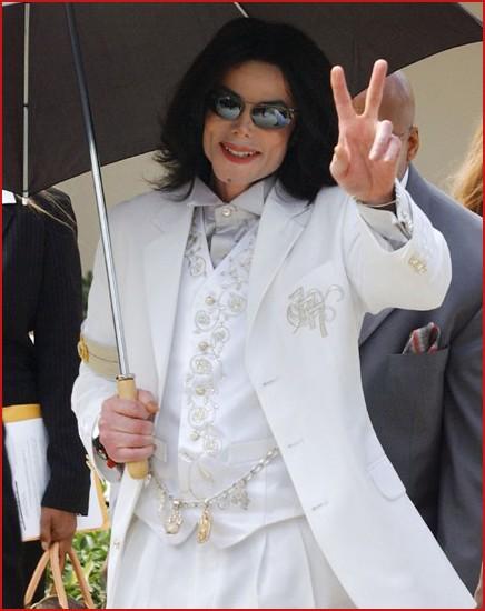 Foto di Michael con abiti eleganti Abito_10