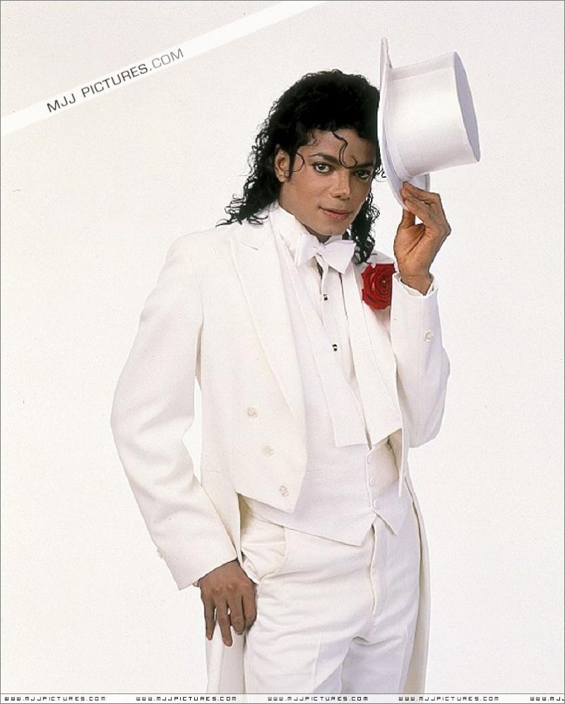 Foto di Michael con abiti eleganti Bianco10