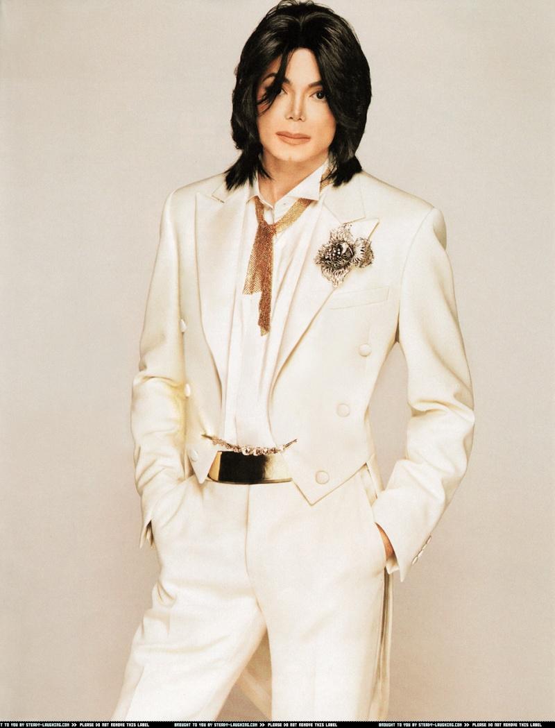 Foto di Michael con abiti eleganti Bianco12