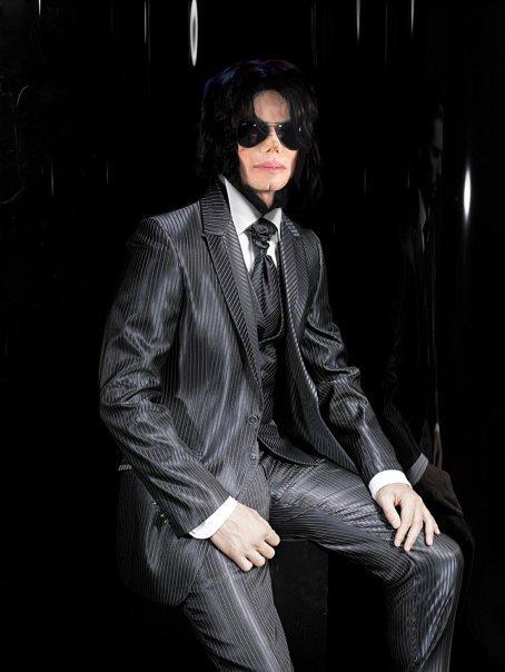 Foto di Michael con abiti eleganti - Pagina 2 Mj_ele10