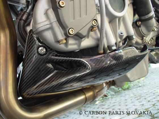 cherche pièces de café racer Carbon10