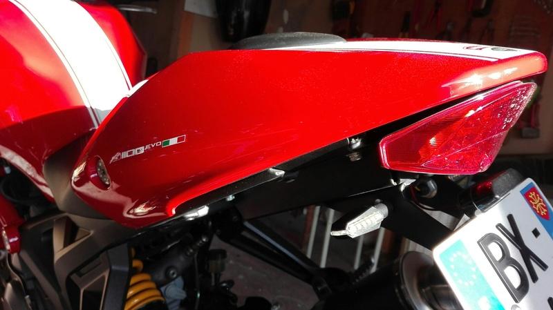 Pièces Ducati monster evo et autres  Img_2010