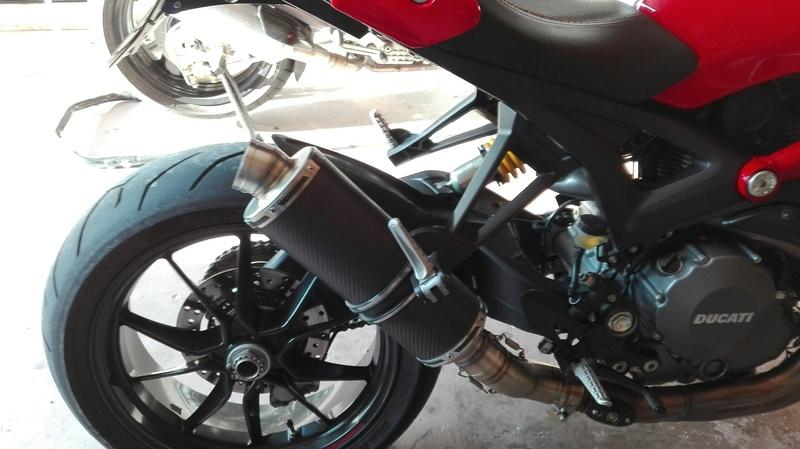 Pièces Ducati monster evo et autres  Img_2011