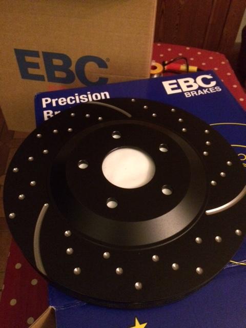 Disques ventilés rainurés pointés EBC  Ebc10