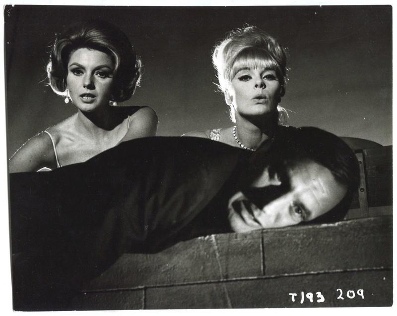 Plus féroces que les mâles. Deadlier Than the Male. 1966. Ralph Thomas. 3-phot10
