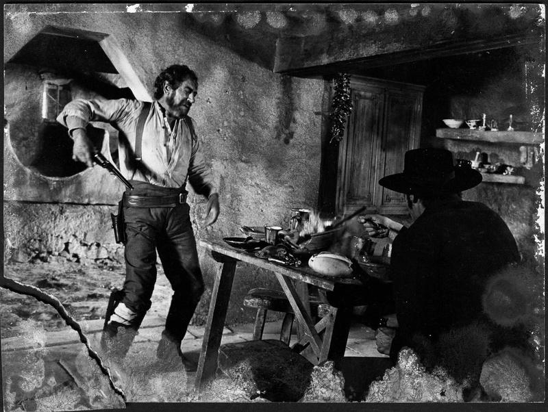 Le bon , la brute et le truand - Il buono, il brutto, il cattivo. - 1966 - Sergio Leone - Page 8 612
