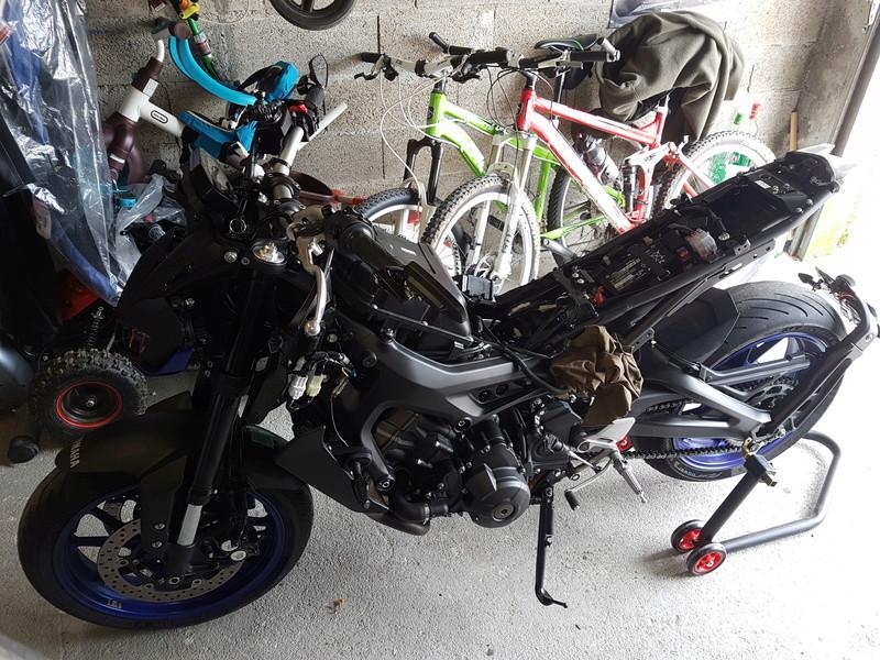 MT09 Race Bleue 2017 de leatherman 20180422