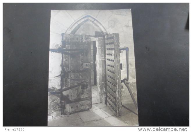La famille royale à la prison du Temple : plans et aménagements - Page 3 Porte_11