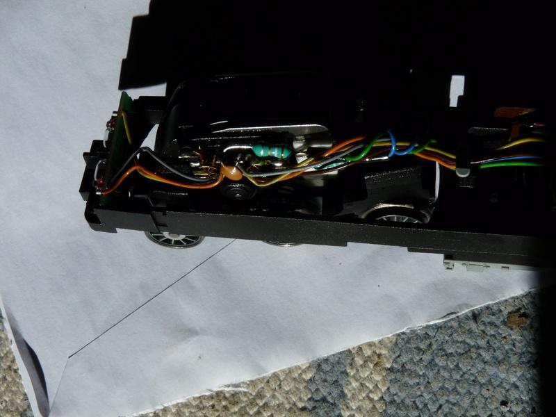 2 décodeurs grillés ? - Page 3 P1120011