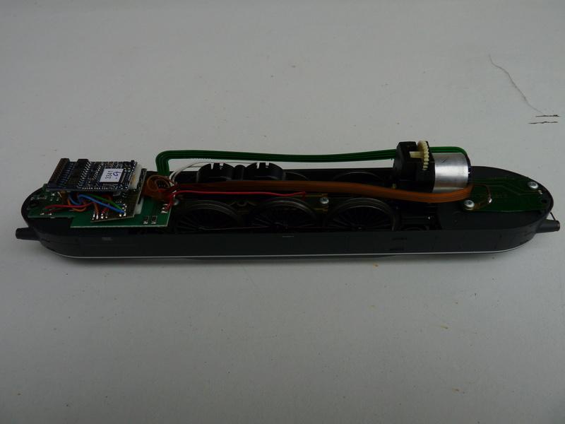 2 décodeurs grillés ? - Page 4 P1120023