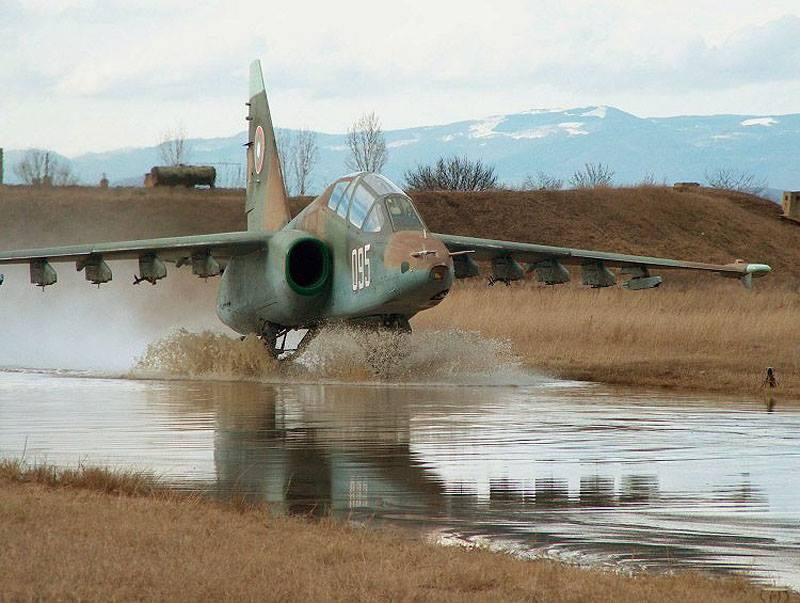 Su-25 attack aircraft  - Page 12 Su-25_10