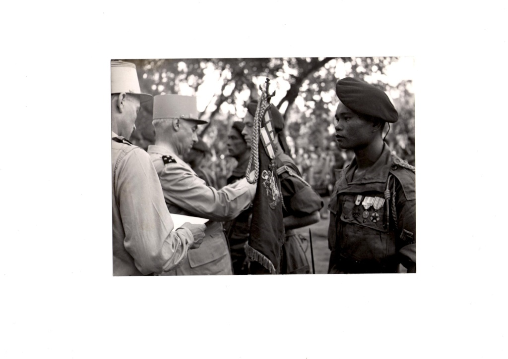 Prises d'armes. 195310