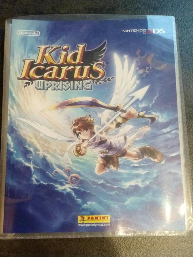 |EST] Lot de 340 cartes Kid Icarus Panini + classeur 22810110