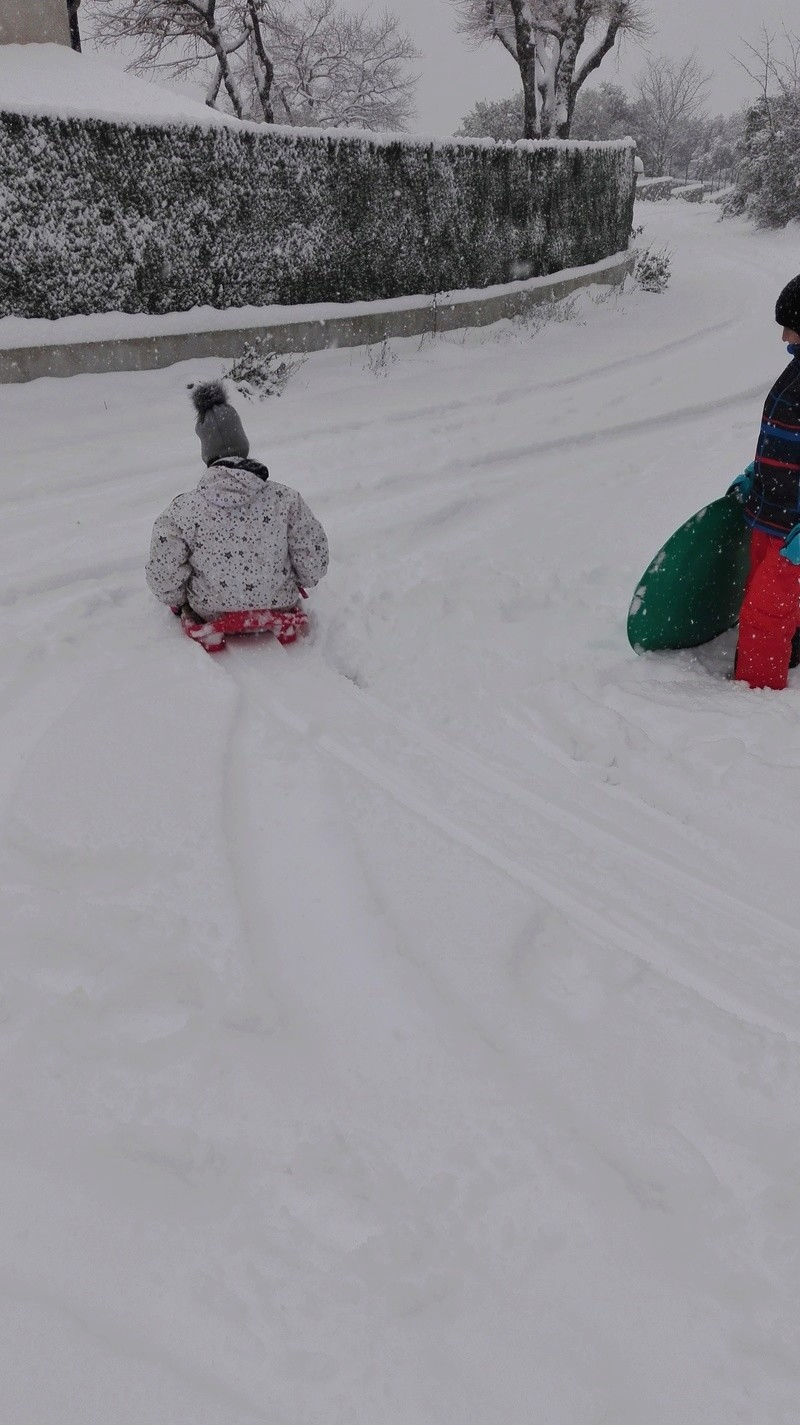 Episode neigeux dans le sud-est Img_2012