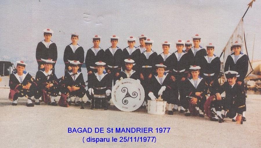 [Musique dans la Marine] Bagad de Saint Mandrier - Page 24 Bagad_11