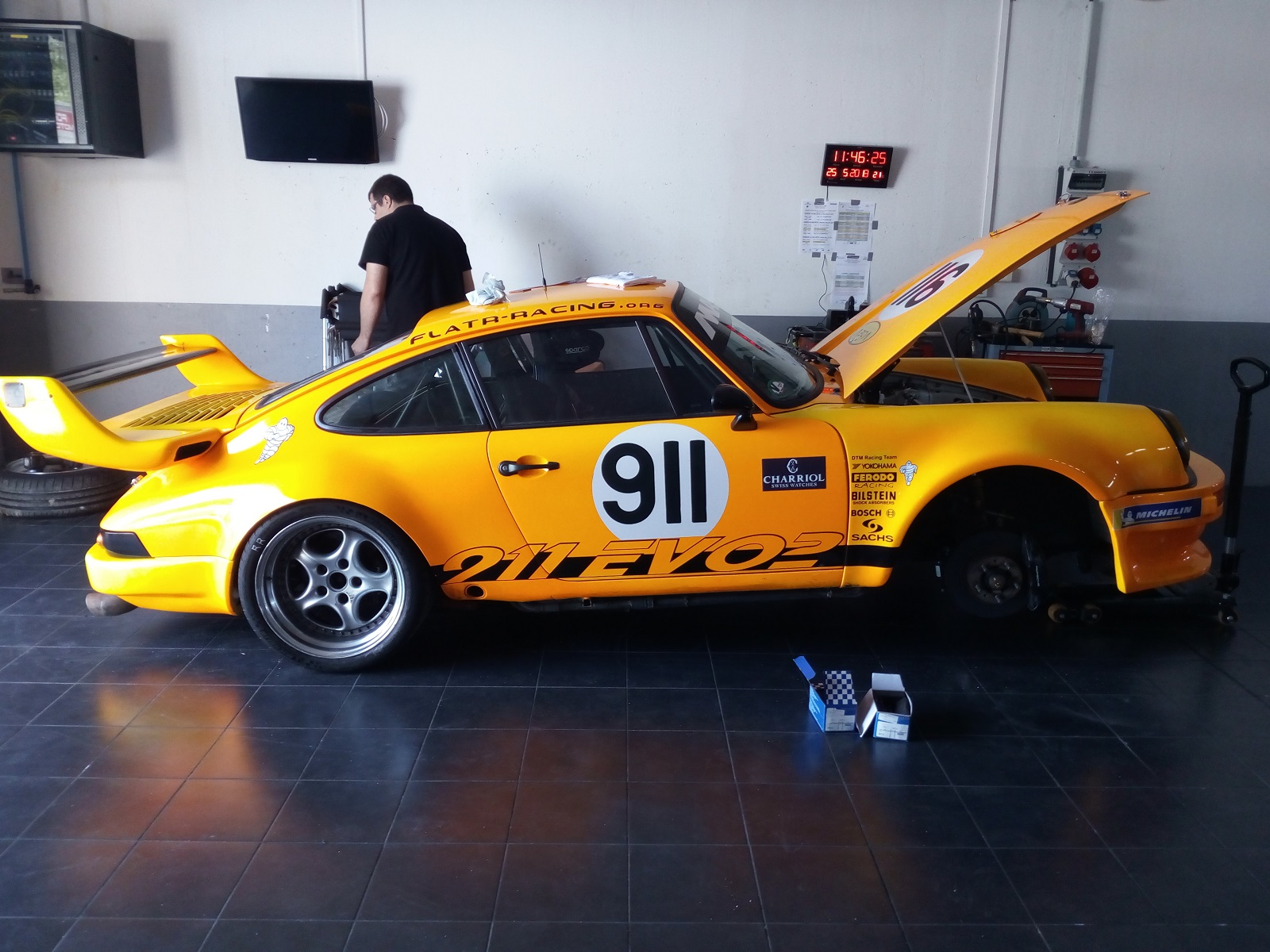 [968 TURBO] Une 968 turbo Rs replica pour courrir - Page 37 Img_2104