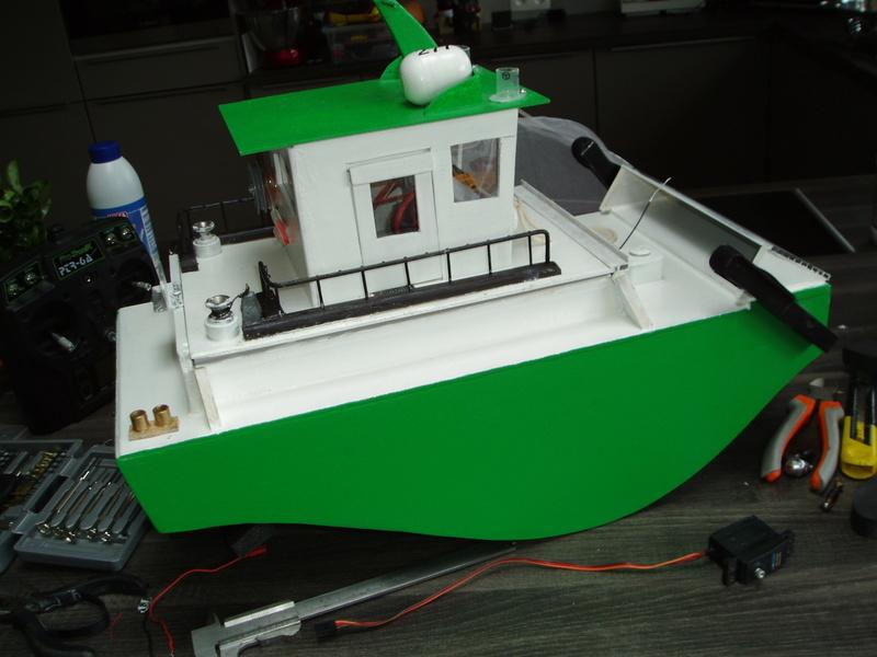 petit bateau pousseur springer P1010017