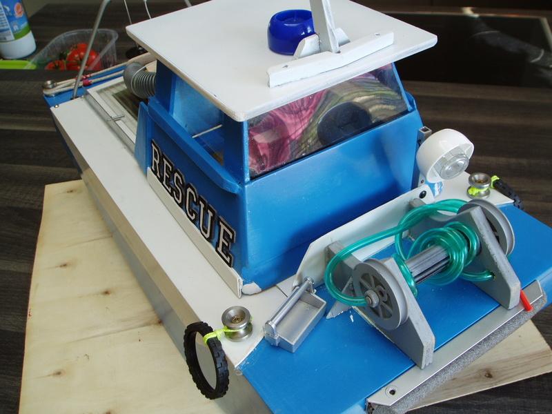 petit bateau pousseur springer P1010026