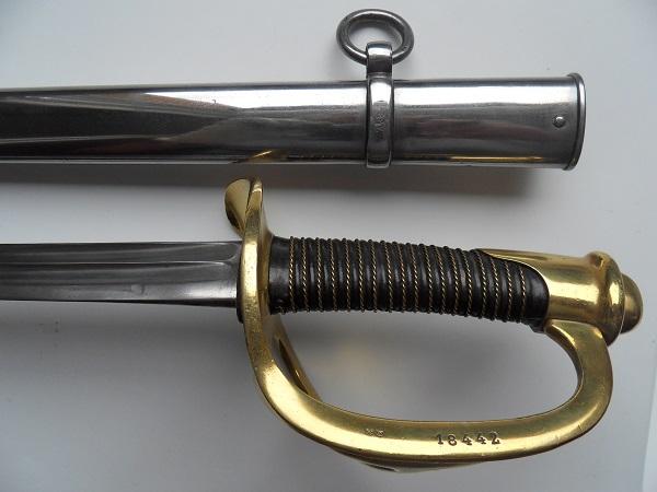 Le sabre de Carabiniers mod 1854 Officier et Troupe sous la IIIème Rép. Sdc11810