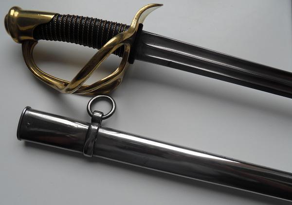 Le sabre de Carabiniers mod 1854 Officier et Troupe sous la IIIème Rép. Sdc11812
