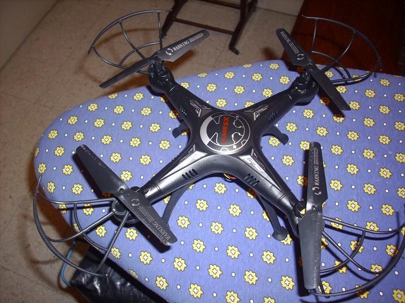 DRONE avec vidéo WIFI 3 caméras Dsci0110