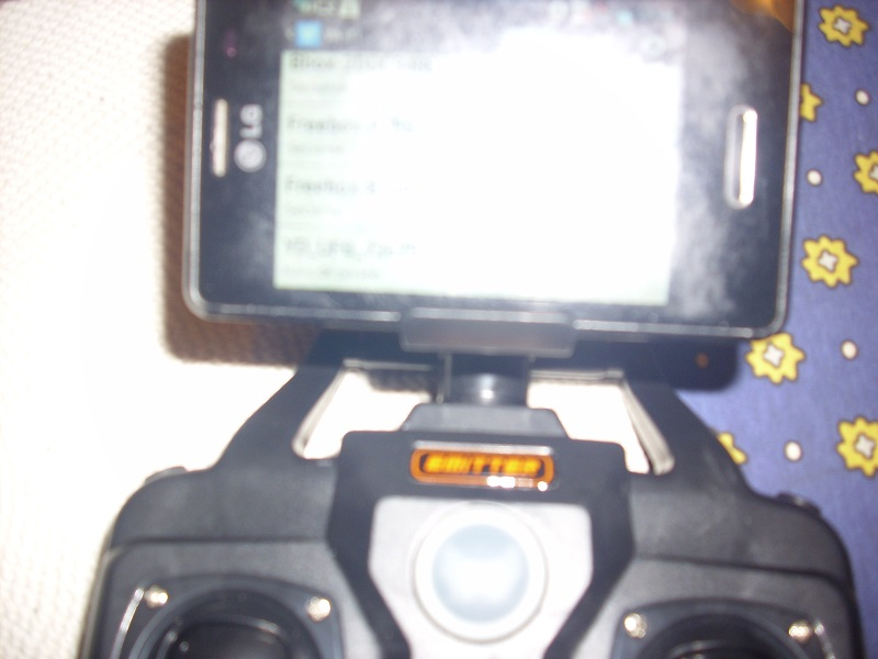 DRONE avec vidéo WIFI 3 caméras Dsci0112