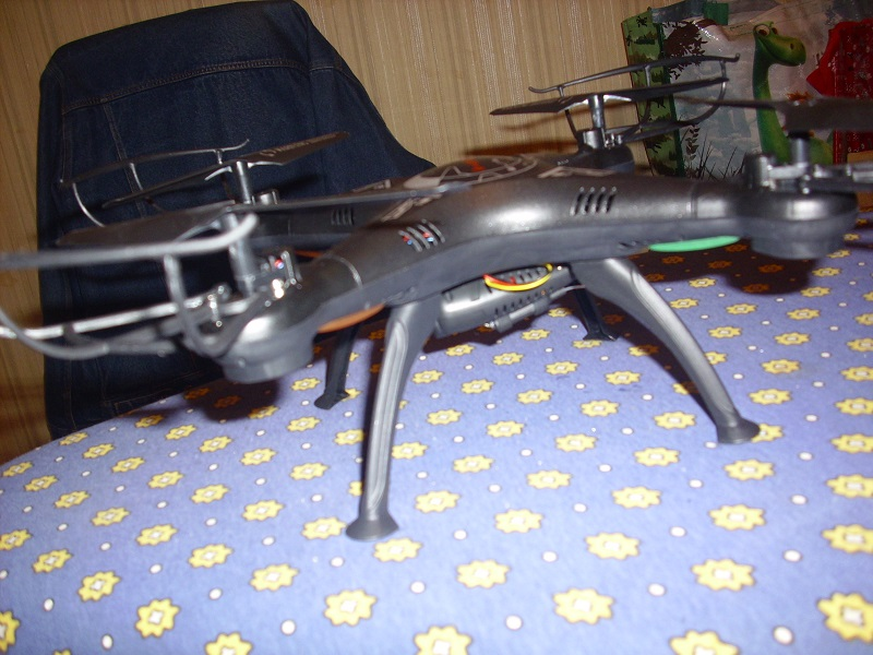 DRONE avec vidéo WIFI 3 caméras Dsci0113