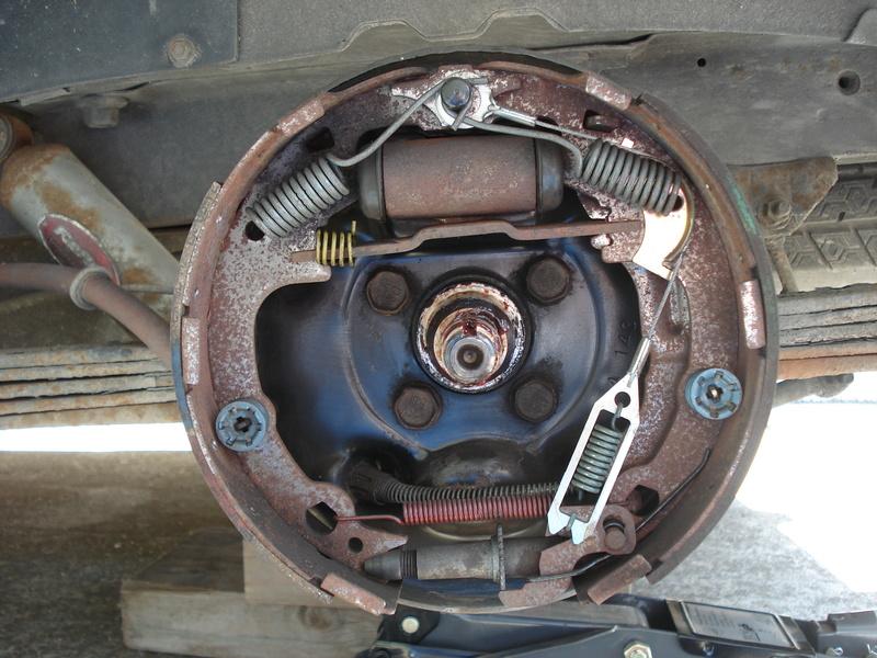 Montage freins arrières S2 Dsc02411