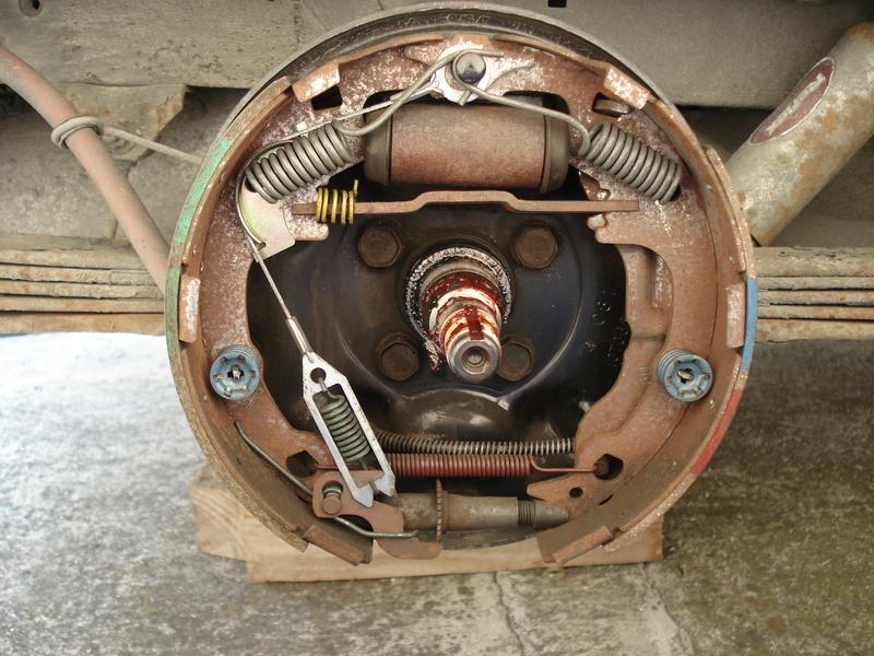 Montage freins arrières S2 Dsc02414