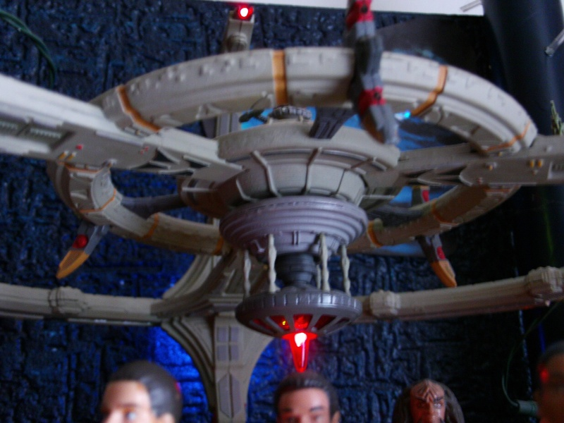 Display Station Bajorane DS9 File0038