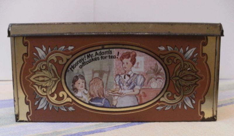 Souvenirs....souvenirs....boite à gateaux. Captu338