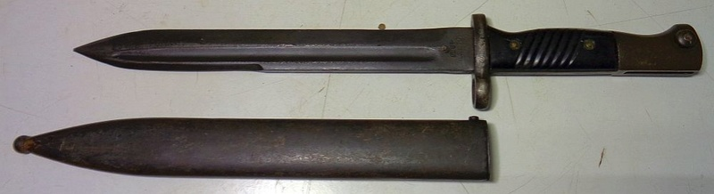 Identification des marquages sur une baionnette israélienne Dsc00510